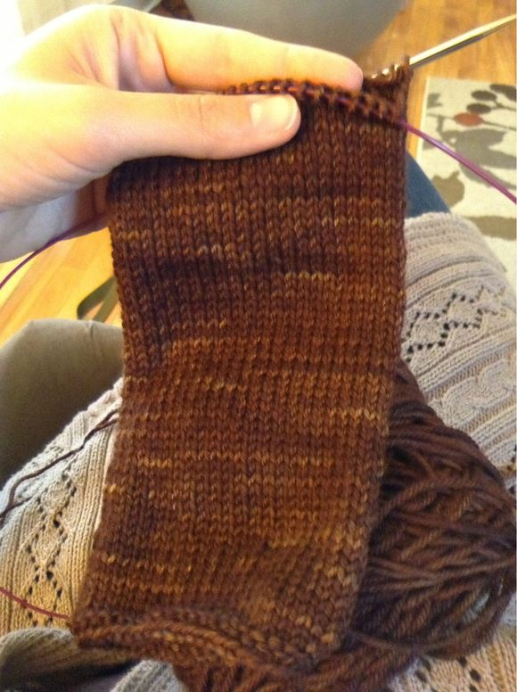 :: photo friday :: I'm knitting!